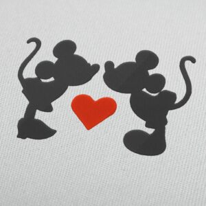 Mickey and Minnie Mouse kiss 2 Disney Embroidery Design